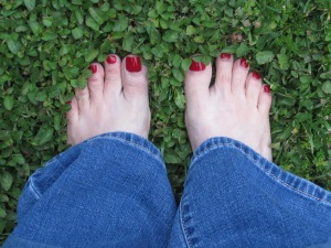 This morning in my backyard.  Toes in the green grass!